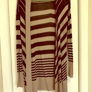 Apt 9 long Black and Tan sweater, size small
